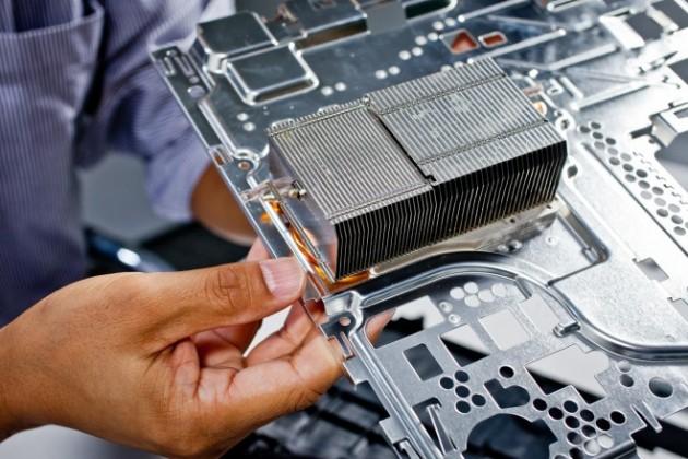 PlayStation 4の内部公開、担当エンジニアによる分解 (7)
